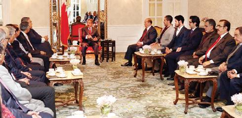 عبدالنبي الشعلة من ضمن وفد رجال الاعمال البحرينين الذي استقبله رئيس الوزراء في بانكوك